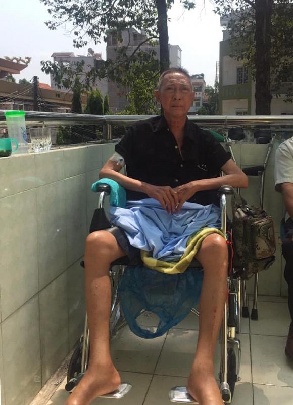 Bệnh trở nặng, nghệ sĩ Lê Bình bị liệt nửa người, sự sống mong manh từng ngày - Ảnh 1