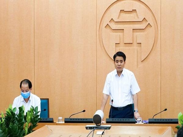 Chủ tịch Hà Nội: Tiếp tục các biện pháp giãn cách xã hội đặc biệt ở trường học, bệnh viện khi hoạt động trở lại bình thường - Ảnh 2
