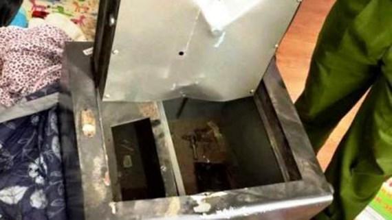 Trộm viếng thăm công ty dược phẩm Phong Phú lấy gần 1,5 tỷ đồng - Ảnh 1