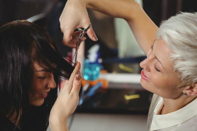 10 bí quyết giúp tóc dài và dày hơn trông thấy sau 30 ngày - Ảnh 1