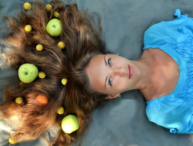 10 bí quyết giúp tóc dài và dày hơn trông thấy sau 30 ngày - Ảnh 8
