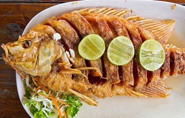 Chuyên gia chỉ cách làm món cá rán 'cực phẩm', giữ trọn vẹn dinh dưỡng lại tránh được ung thư - Ảnh 1