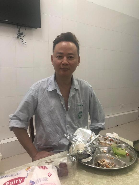 Diễn viên Tùng Dương bị bệnh nặng, co giật phải đi cấp cứu giữa đêm - Ảnh 2