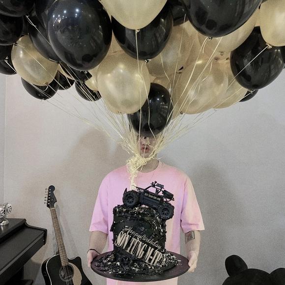 Sau đại thành công của 'Hãy trao cho anh', Sơn Tùng M-TP đón sinh nhật giản dị - Ảnh 1