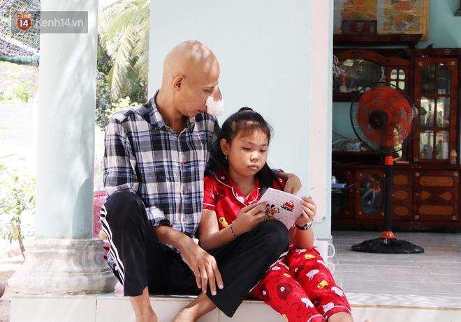Bước đường cùng của người cha bị ung thư hốc mũi ôm 2 đứa con thơ dại: 'Con sợ cha chết, không sống cùng tụi con nữa' - Ảnh 3