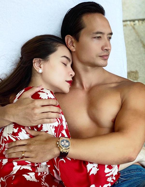 Những cặp nghệ sĩ Việt sắp chào đón con song sinh - Ảnh 1