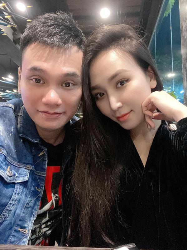 Những cặp nghệ sĩ Việt sắp chào đón con song sinh - Ảnh 3