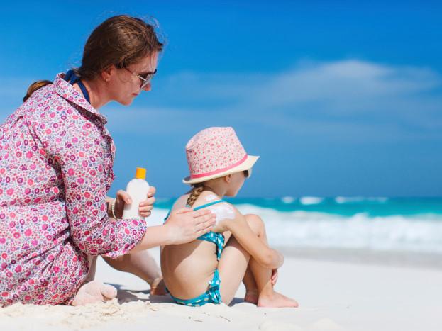 Bố mẹ cần lưu ý những vấn đề sau về sức khỏe khi cho con đi bơi ở bể bơi công cộng - Ảnh 2