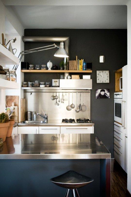 Chẳng còn thấy chật chội vì căn bếp quá nhỏ nhờ những mẹo vặt tiện lợi này - Ảnh 1