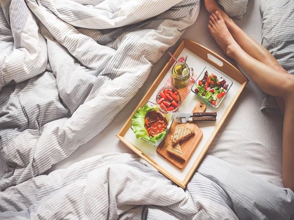 Cứ duy trì những thói quen này vào buổi tối khiến bạn chẳng mấy mà tăng cân vù vù - Ảnh 4