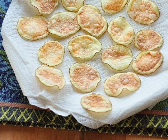 Từ khi học được công thức này tôi toàn tự làm snack khoai tây cho con, giòn rụm, thơm ngon chẳng khác gì đi mua - Ảnh 7