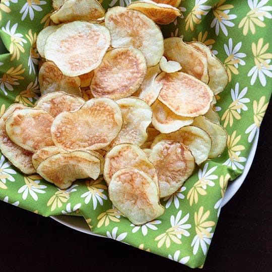 Từ khi học được công thức này tôi toàn tự làm snack khoai tây cho con, giòn rụm, thơm ngon chẳng khác gì đi mua - Ảnh 8