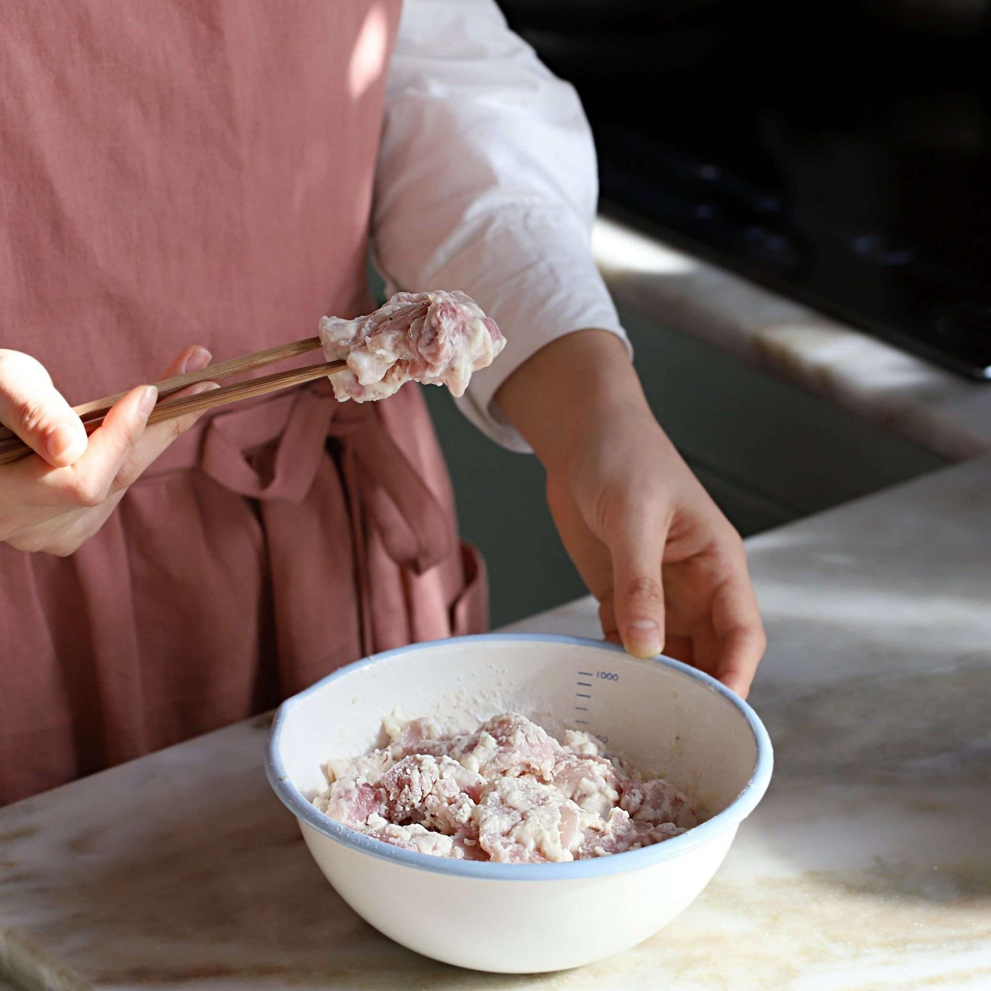 Không phải mất tiền khi đi ăn gà chiên nước tương kiểu Hàn bên ngoài nữa vì công thức cực chuẩn đây rồi! - Ảnh 3