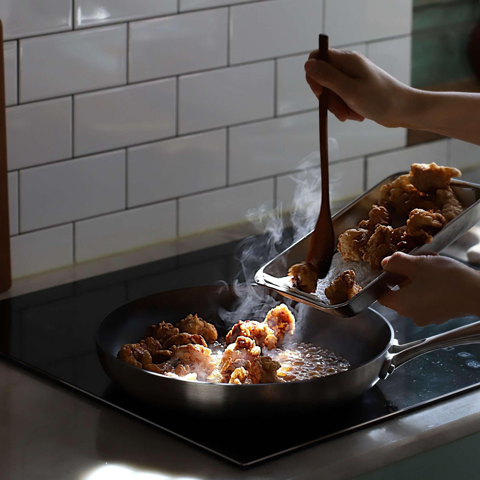 Không phải mất tiền khi đi ăn gà chiên nước tương kiểu Hàn bên ngoài nữa vì công thức cực chuẩn đây rồi! - Ảnh 5