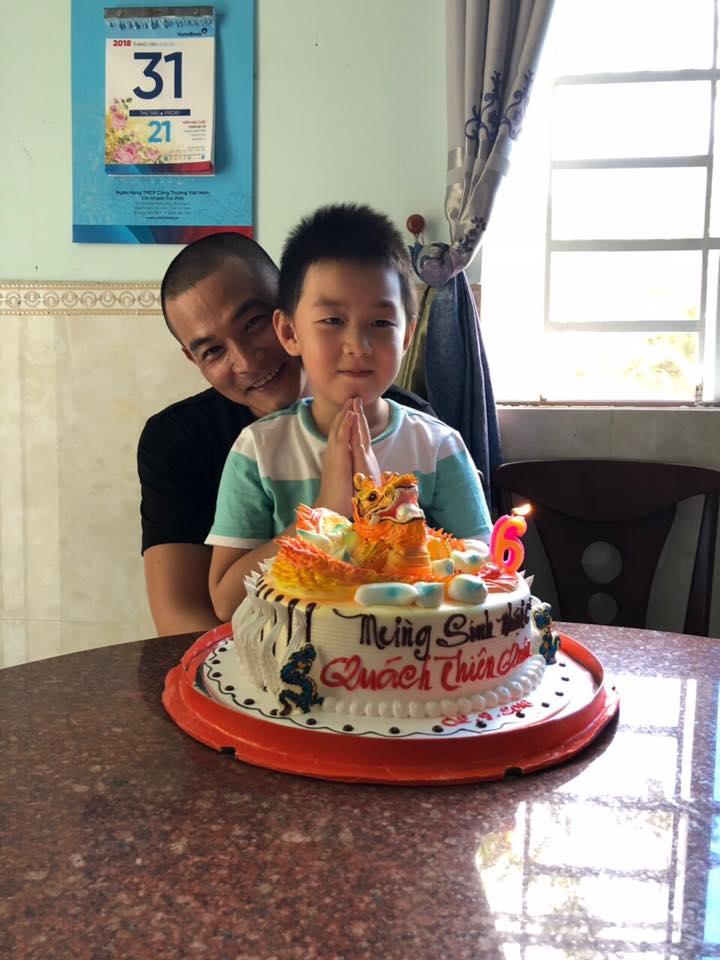 Bị tố 'chối vợ bỏ con', Quách Ngọc Ngoan bất ngờ khoe ảnh mừng sinh nhật con trai Lê Phương - Ảnh 2
