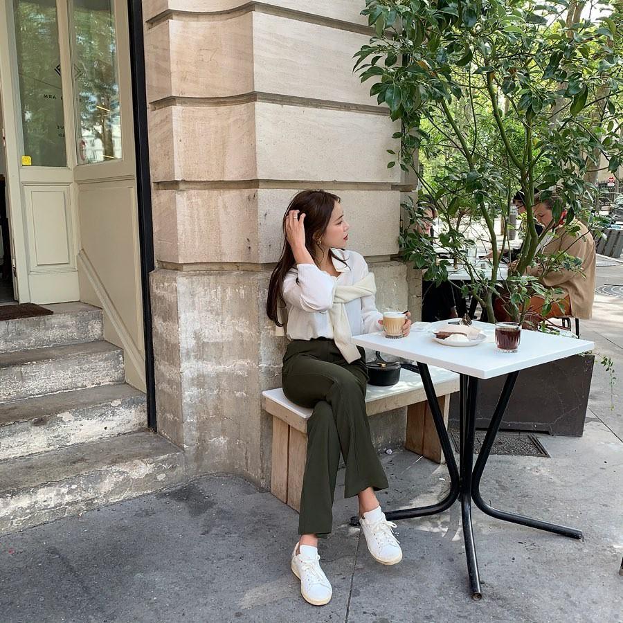 4 lý do nàng công sở nên sắm ngay một đôi sneakers trắng: Thuyết phục nhất là khả năng 'hack' tuổi và sành điệu hóa style - Ảnh 2
