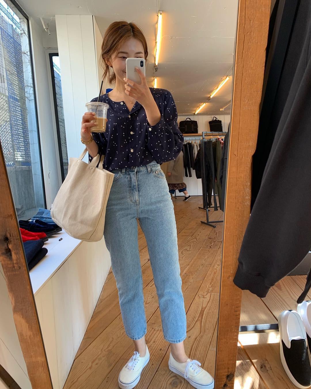 4 lý do nàng công sở nên sắm ngay một đôi sneakers trắng: Thuyết phục nhất là khả năng 'hack' tuổi và sành điệu hóa style - Ảnh 4