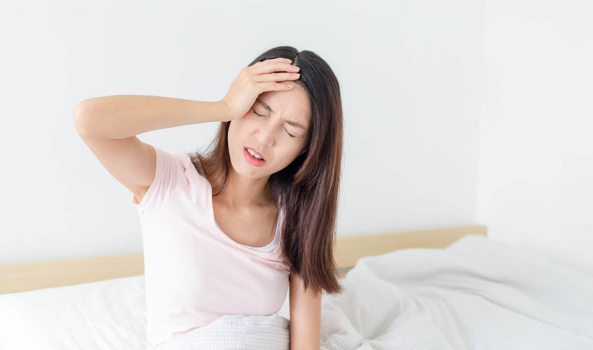 Thuốc hay chữa chứng đau đầu ở phụ nữ sau sinh - Ảnh 1
