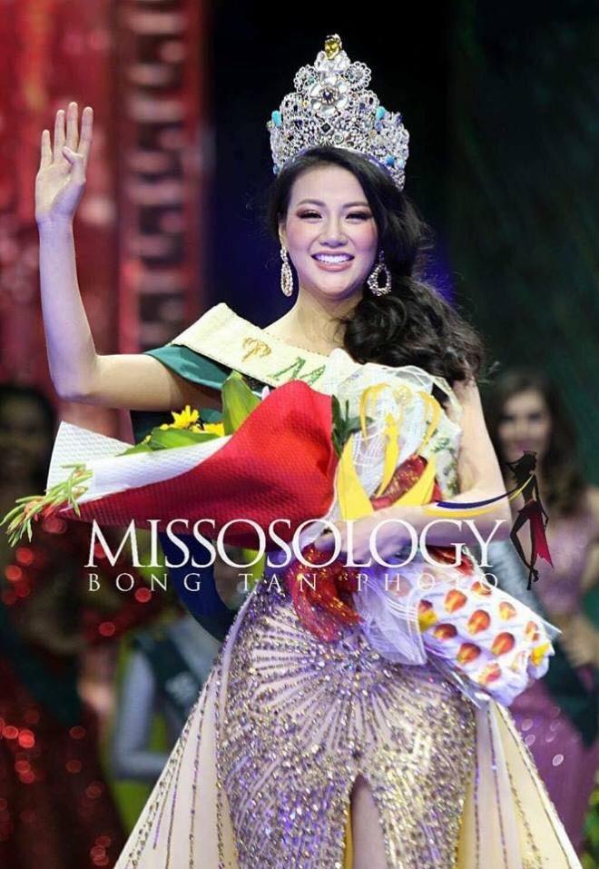Hình ảnh xinh đẹp và chia sẻ đầu tiên của Nguyễn Phương Khánh khi đăng quang Hoa hậu Trái đất 2018 - Ảnh 1