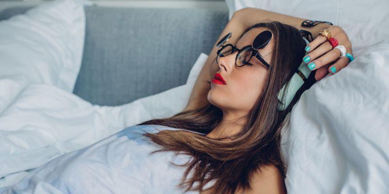Con gái nên sửa ngay 4 thói quen xấu trước khi đi ngủ để không làm tổn hại tới sức khỏe - Ảnh 4