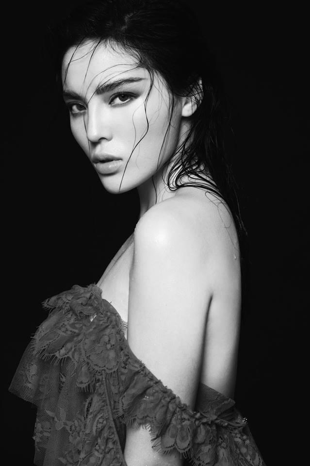 'Toát mồ hôi' khi xem Hoa hậu Kỳ Duyên diện váy dây 'quên nội y' hờ hững - Ảnh 5