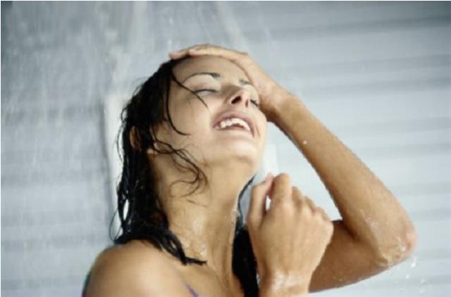 7 lợi ích không thể bỏ qua của việc tắm nước lạnh hàng ngày - Ảnh 3