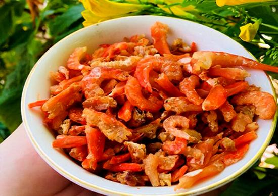 Bí quyết chọn tôm khô ngon chế biến món ăn ngày Tết - Ảnh 1