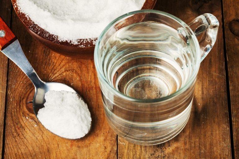 Lấy muối biển pha loãng với nước theo cách này để dùng, da mặt mịn bóng, trắng hồng mà không cần mỹ phẩm đắt tiền - Ảnh 1