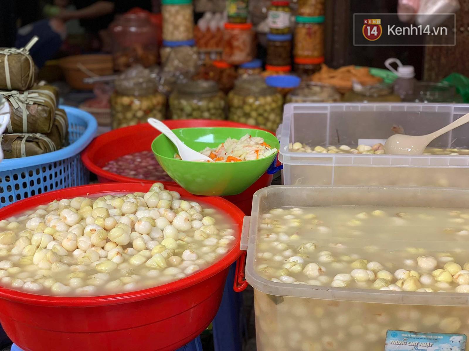 Lưu ý khi ăn các món dưa cà muối ngày Tết để không làm tăng nguy cơ hại sức khoẻ - Ảnh 2