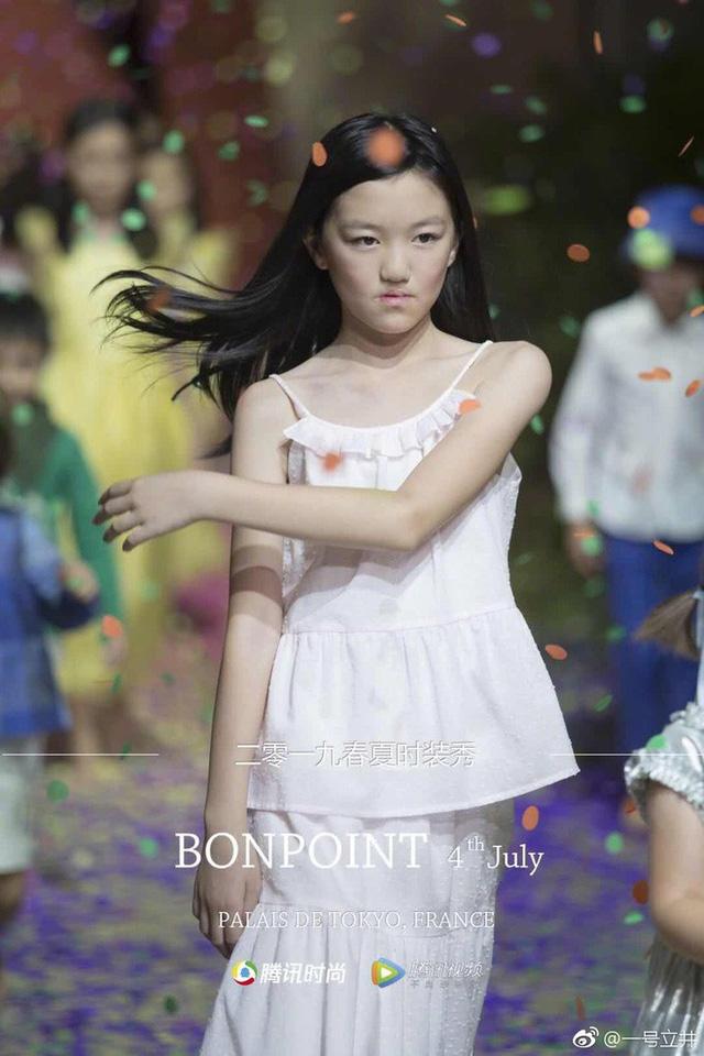Lý Á Bằng khoe ảnh hạnh phúc cùng con gái Lý Yên ngày đầu năm khiến nhiều người xúc động - Ảnh 2