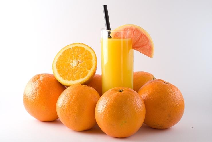 Nếu buộc phải uống rượu ngày Tết, cần nhớ không nên ăn những thực phẩm này - Ảnh 2