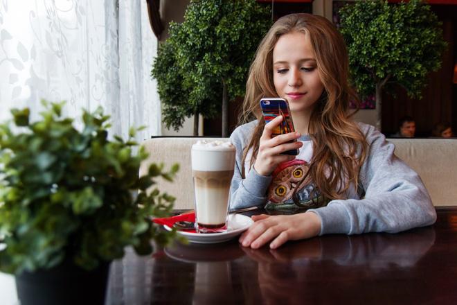 Có những thói quen ăn uống gây hại lớn cho sức khỏe mà giới trẻ thường xuyên mắc phải, nhất là cái số 2 - Ảnh 2