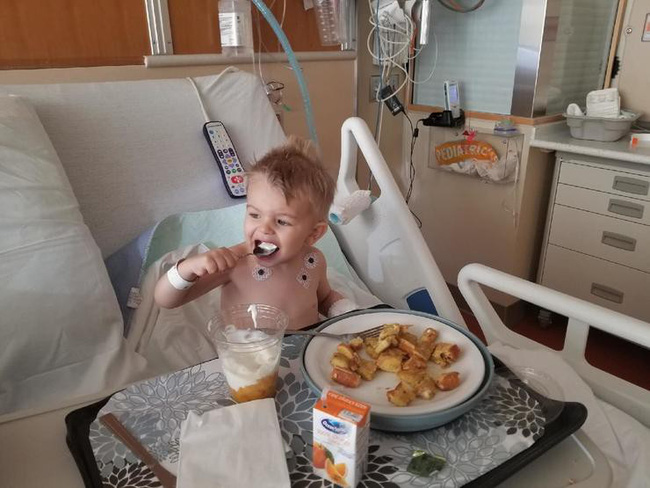 Con thở khò khè và suýt chút mất mạng, mẹ lên tiếng cảnh báo về món ăn vặt đứa trẻ nào cũng ghiền lại là nguy cơ - Ảnh 2