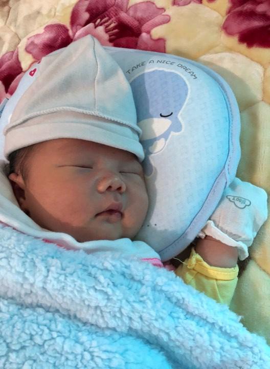 Mẹ 9X sinh thường bé nặng 4,4kg có bí quyết cực hay để con bụ bẫm, còn mẹ lại chỉ thon gọn thế này - Ảnh 4