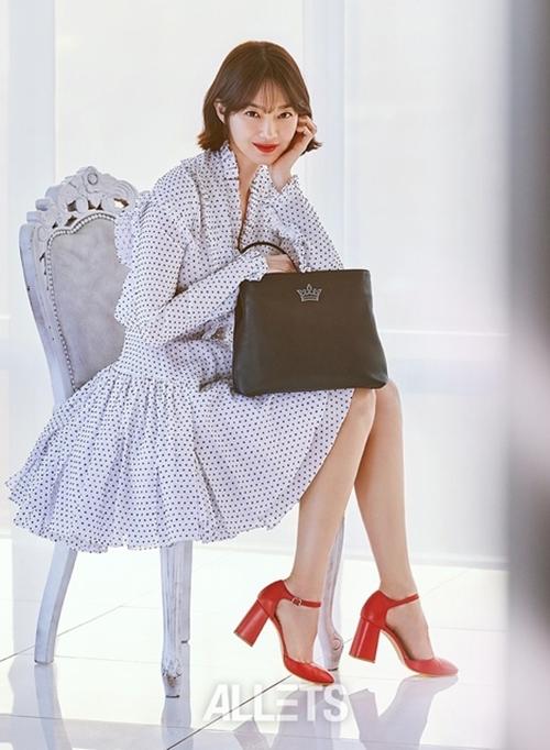 U40 vẫn trẻ xinh như Song Hye Kyo, thẳng tay xuống tóc là điều nên thử! - Ảnh 13