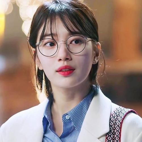 U40 vẫn trẻ xinh như Song Hye Kyo, thẳng tay xuống tóc là điều nên thử! - Ảnh 15