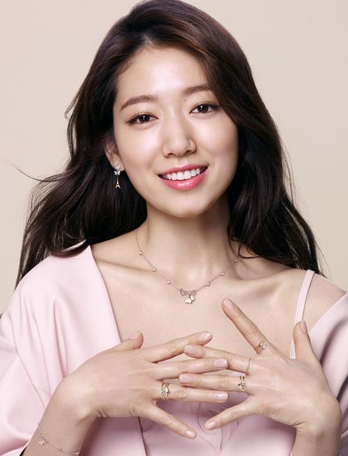 U40 vẫn trẻ xinh như Song Hye Kyo, thẳng tay xuống tóc là điều nên thử! - Ảnh 2