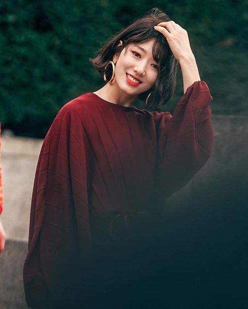 U40 vẫn trẻ xinh như Song Hye Kyo, thẳng tay xuống tóc là điều nên thử! - Ảnh 3