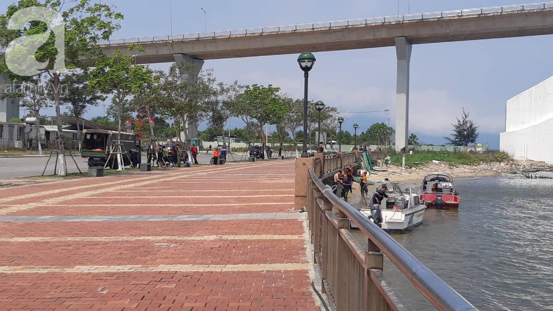 Vụ bé gái 8 tuổi bị cha giết rồi vứt xác xuống sông Hàn: Người nhà mỏi mòn chờ thợ lặn tìm thi thể bé - Ảnh 3