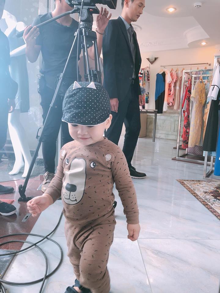 Chưa đầy 2 tuổi, 'hoàng tử' nhà Ngọc Lan – Thanh Bình đã đẹp trai như soái ca - Ảnh 4