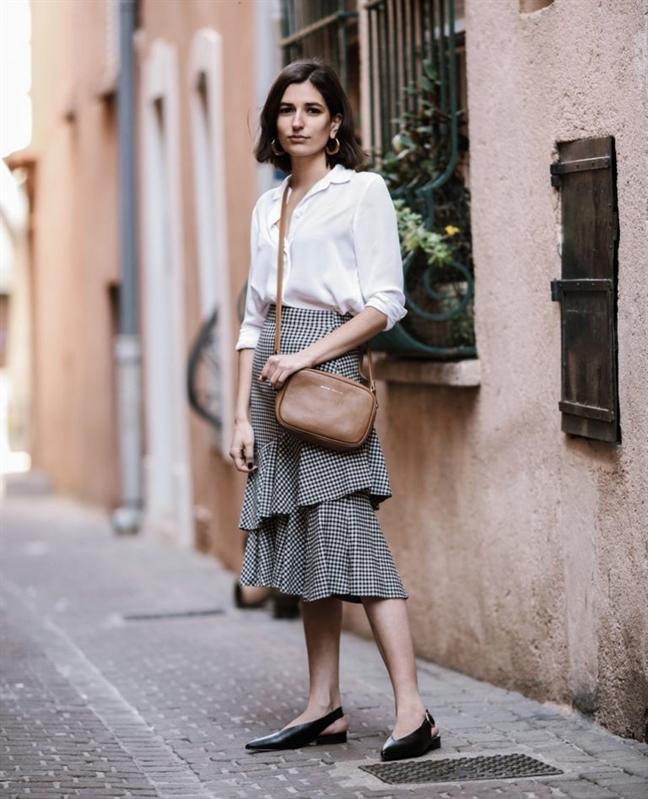 Những kiểu chân váy cho nàng công sở thoải mái ngày hè - Ảnh 4