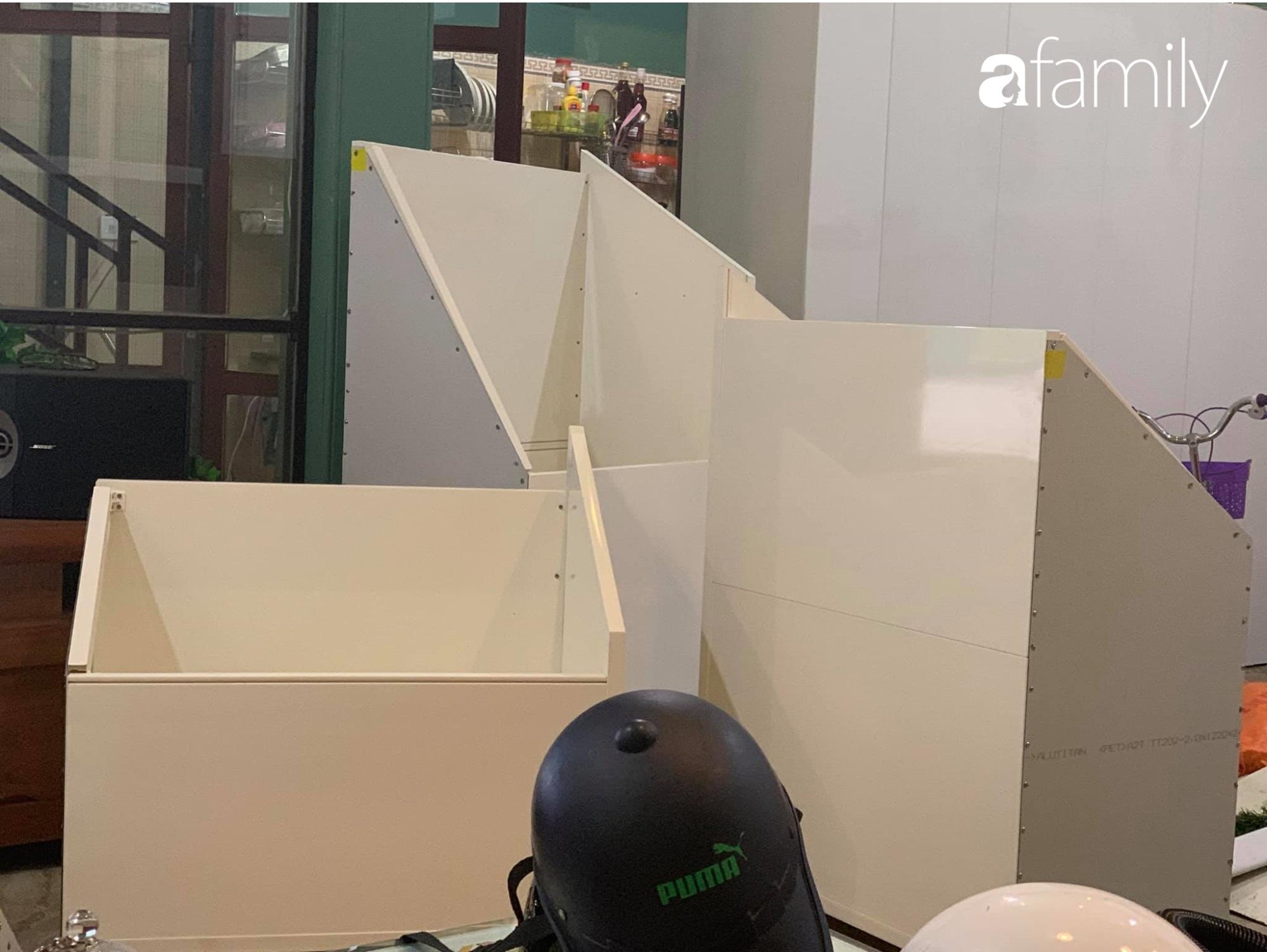Tận dụng thời gian ở nhà dài ngày, mẹ đảm Ninh Bình tranh thủ cải tạo gầm cầu thang với chi phí 4,3 triệu đồng - Ảnh 2