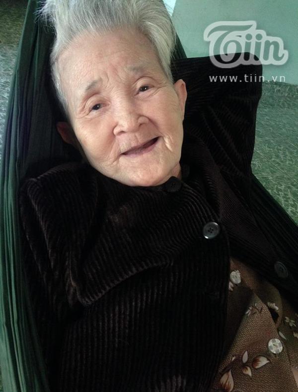 Tạm biệt bà ngoại 'xì-tin' nhất Việt Nam, nơi thiên đàng ngoại hãy cứ mỉm cười như thế nhé! - Ảnh 2