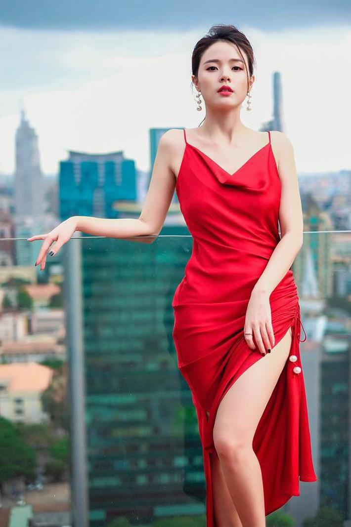 Midu quả là khéo mặc: Một chiếc váy diện đến 6 màu, mix đủ kiểu mà chẳng kiểu nào nhàm - Ảnh 4