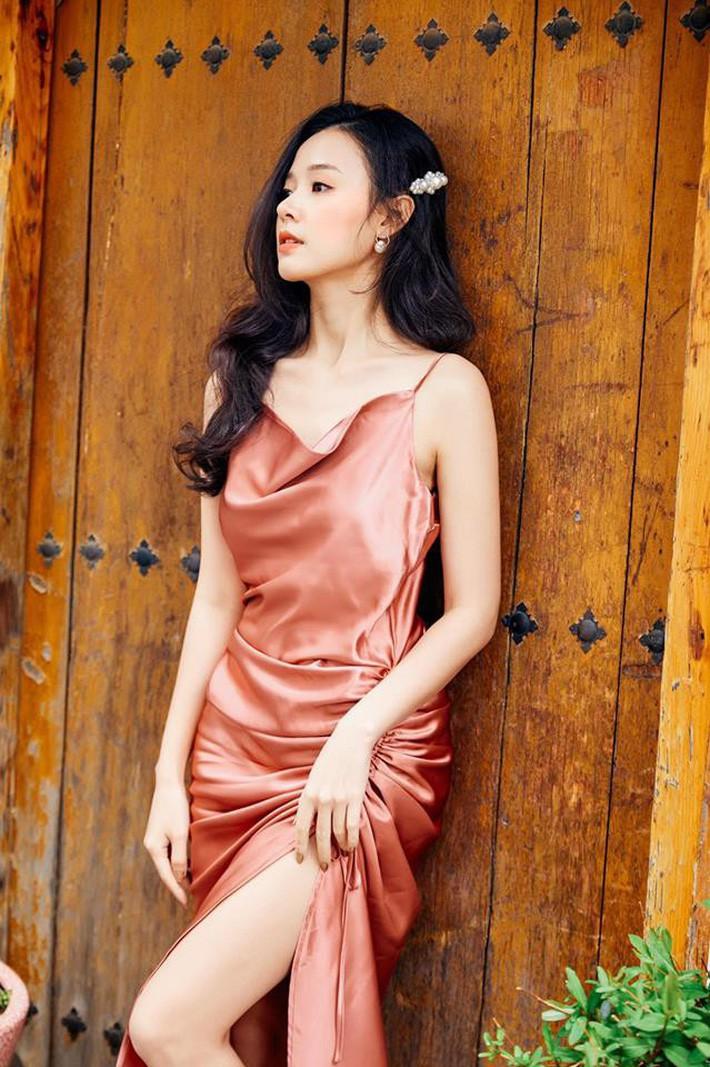 Midu quả là khéo mặc: Một chiếc váy diện đến 6 màu, mix đủ kiểu mà chẳng kiểu nào nhàm - Ảnh 6
