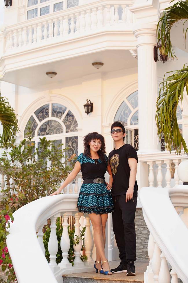 Nathan Lee khoe mẹ trẻ đẹp và biệt thự siêu sang chảnh giá hơn 600 tỷ đồng - Ảnh 6