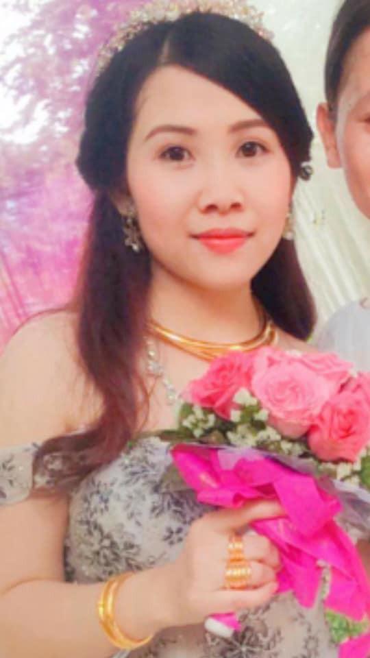Cô dâu trẻ tuổi 20 nhắm mắt đưa mặt cho chuyên viên trang điểm, mở mắt ra bỗng hóa bà cô già U40 - Ảnh 5