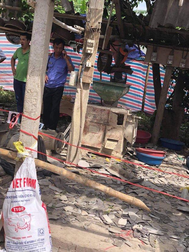 Máy xay xát bất ngờ nổ tung, chủ nhà và khách thiệt mạng - Ảnh 1