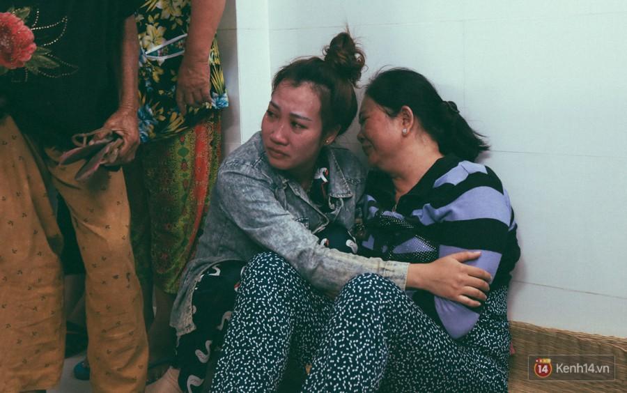 Vụ cô gái bị bạn trai cũ phân xác ở Sài Gòn: Chồng sắp cưới không đứng vững, liên tục gào khóc gọi tên người yêu trong tuyệt vọng - Ảnh 11