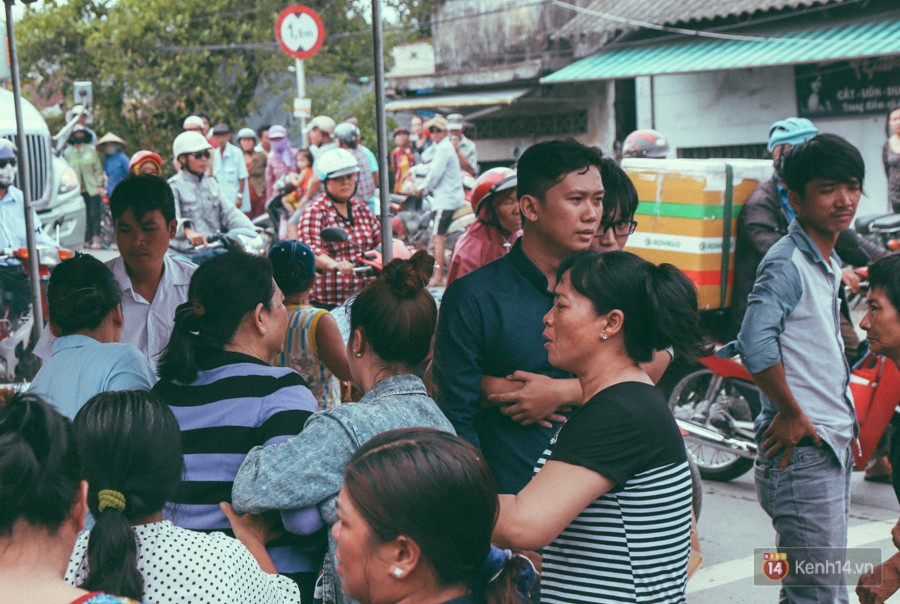 Vụ cô gái bị bạn trai cũ phân xác ở Sài Gòn: Chồng sắp cưới không đứng vững, liên tục gào khóc gọi tên người yêu trong tuyệt vọng - Ảnh 3
